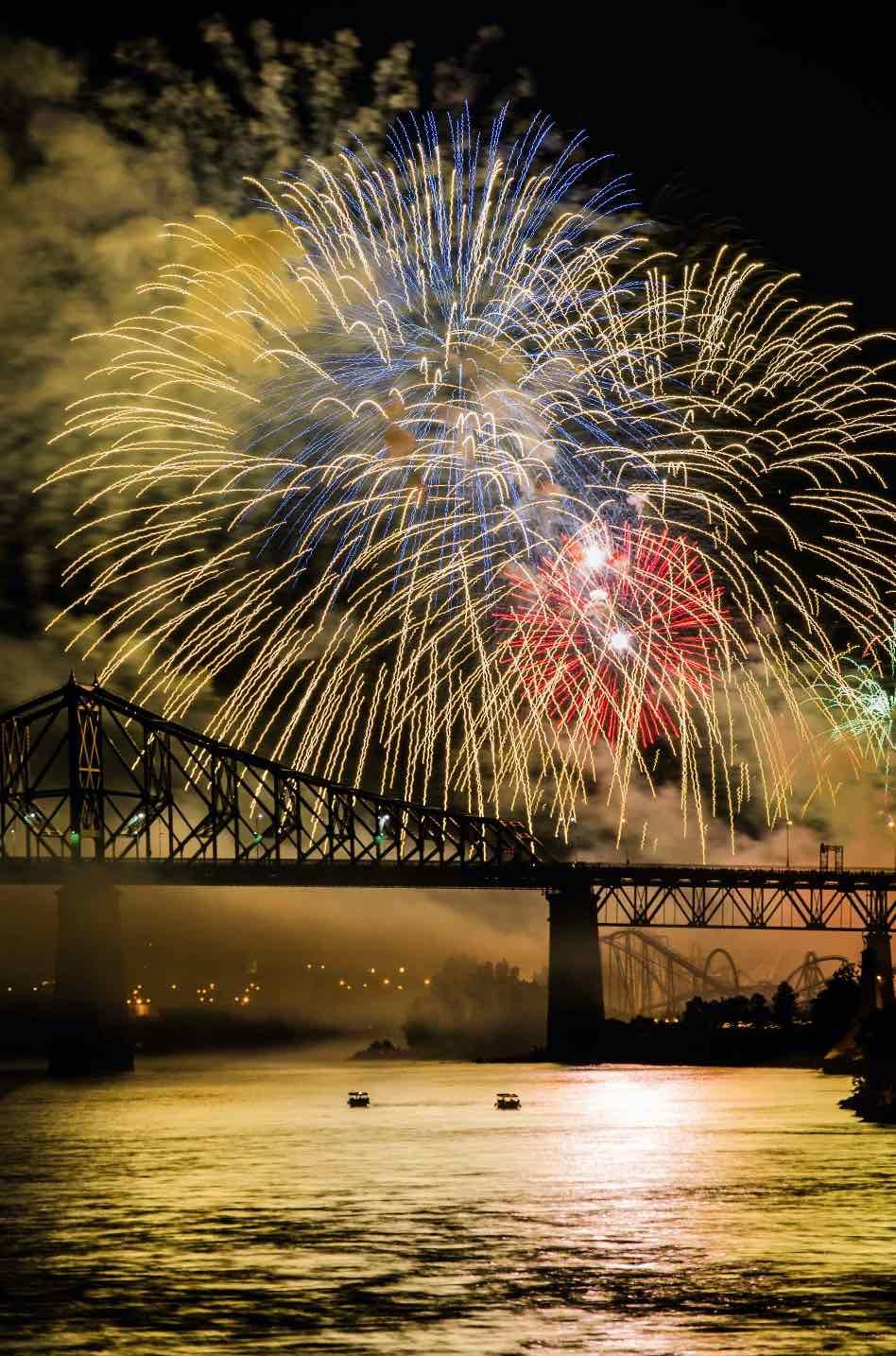 https://bli.ca/wp-content/uploads/2021/03/Fireworks-Montreal.jpg
